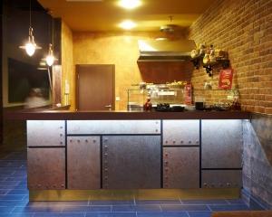мебель столы для кафе, мебель на заказ для кафе, мебель для ресторанов цены, мебель для бара из дерева, деревянная мебель для кафе ресторана